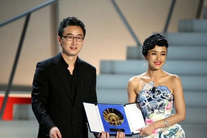 Đạo diễn nguy hiểm nhất Trung Quốc hết lời khen ngợi, kỳ vọng vào diễn xuất của Vương Tuấn Khải trong phim mới ảnh 4
