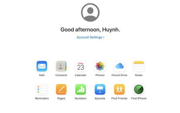 Giao diện nền xanh da trời ở phiên bản iCloud trước đó nay đã được thay thế bằng phông trắng đơn giản, tinh khôi.