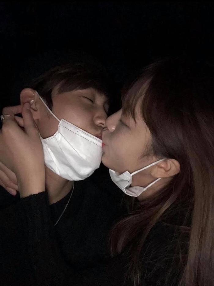 Ảnh hôn nhau của Song Yuvin và Kim Sohee