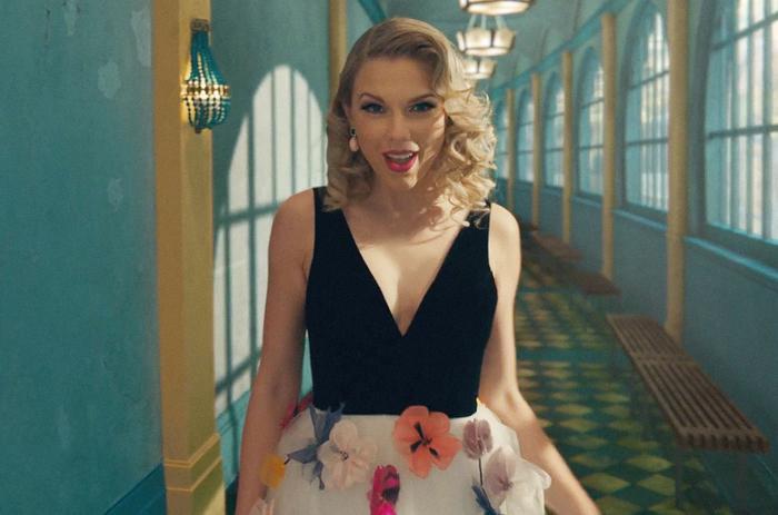 ME! được xếp gần cuối danh sách đánh giá album Lover từ Billboard.