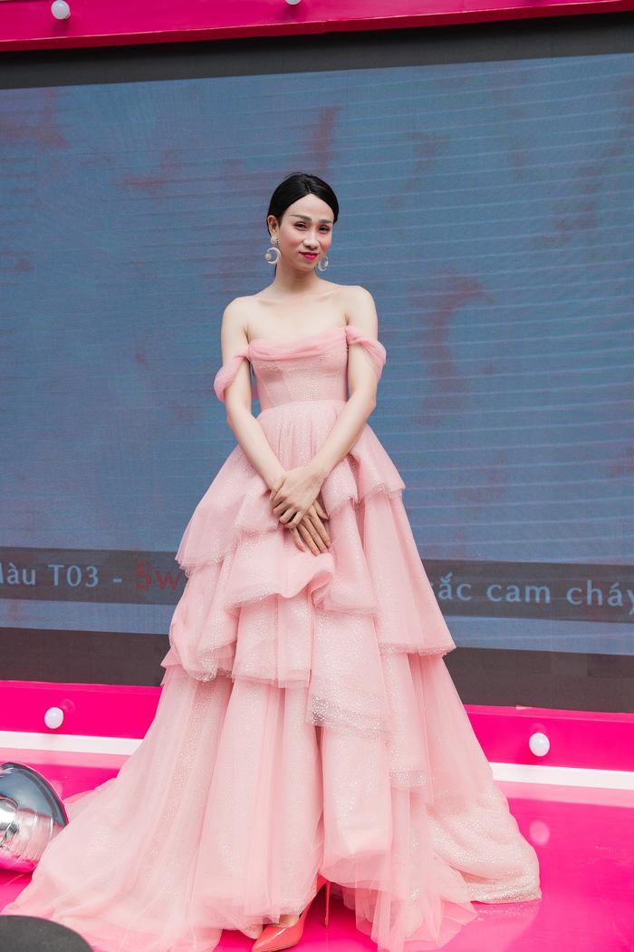 Nếu Hải Triều thướt tha trong bộ váy bồng bềnh…