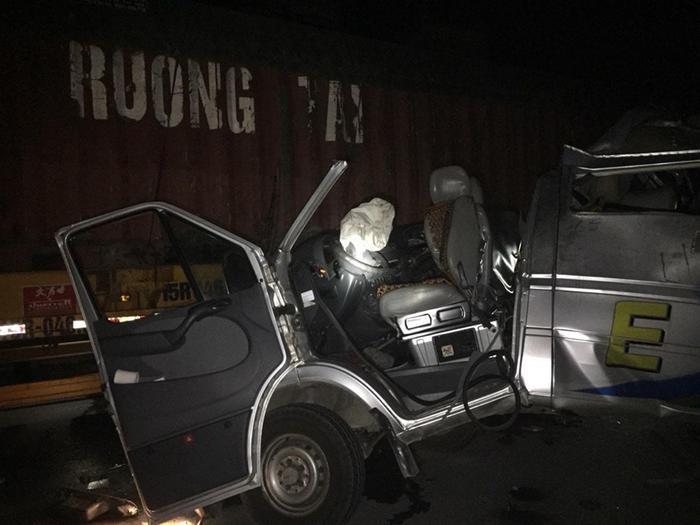 Phương tiện bị hư hỏng nặng sau tai nạn