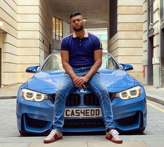 Abdul Ilyas cùng siêu xe BMW M4 trước khi bị đánh cắp. (Ảnh:Abdul Ilyas)