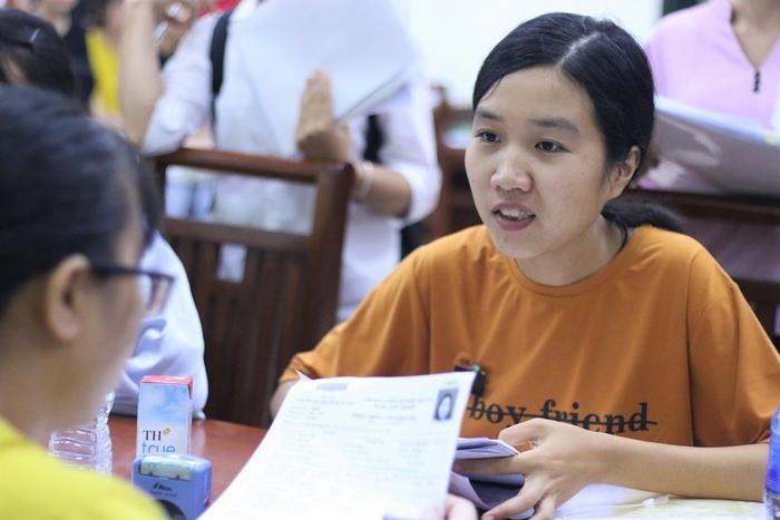 Sáng ngày 27/8, Thủy đã đến ĐH Y Dược và làm thủ tục nhập học.