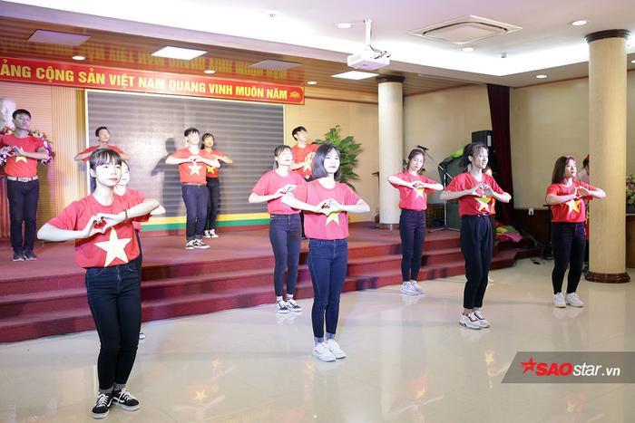 Trong đêm giao lưu sinh viên quốc tế 2019, những tiết mục biểu diễn với những màu sắc văn hóa hết sức đặc trưng của một số quốc gia đã được các bạn sinh viên thể hiện.
