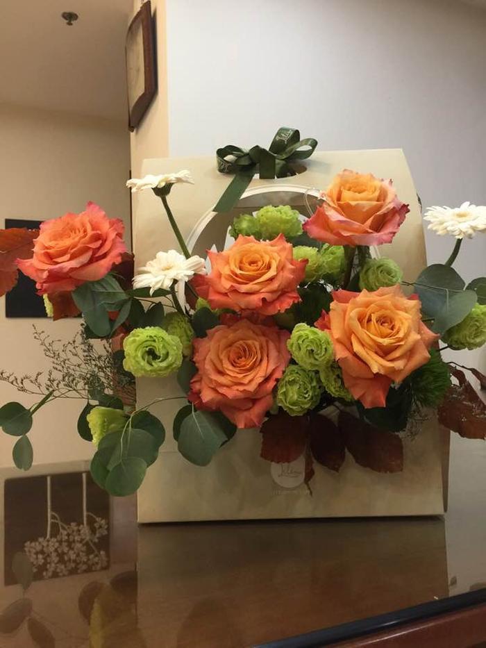 NSND Trung Anh tự hào khoe lẵng hoa của Bảo Thanh trước ngày nhận danh hiệu cao quý ảnh 1