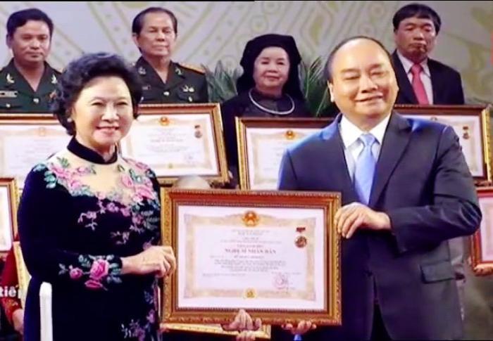 Nghệ sĩ lão thành Minh Đức – gương mặt quen thuộc trong nhiều phim truyền hình, nhận danh hiệu NSND.