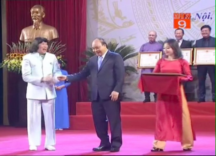 Lễ trao tặng danh hiệu NSND  NSƯT lần thứ 9: Nghệ sĩ Trần Hạnh nghẹn ngào; Trung Anh, Công Lý rạng rỡ trong hạnh phúc ảnh 5