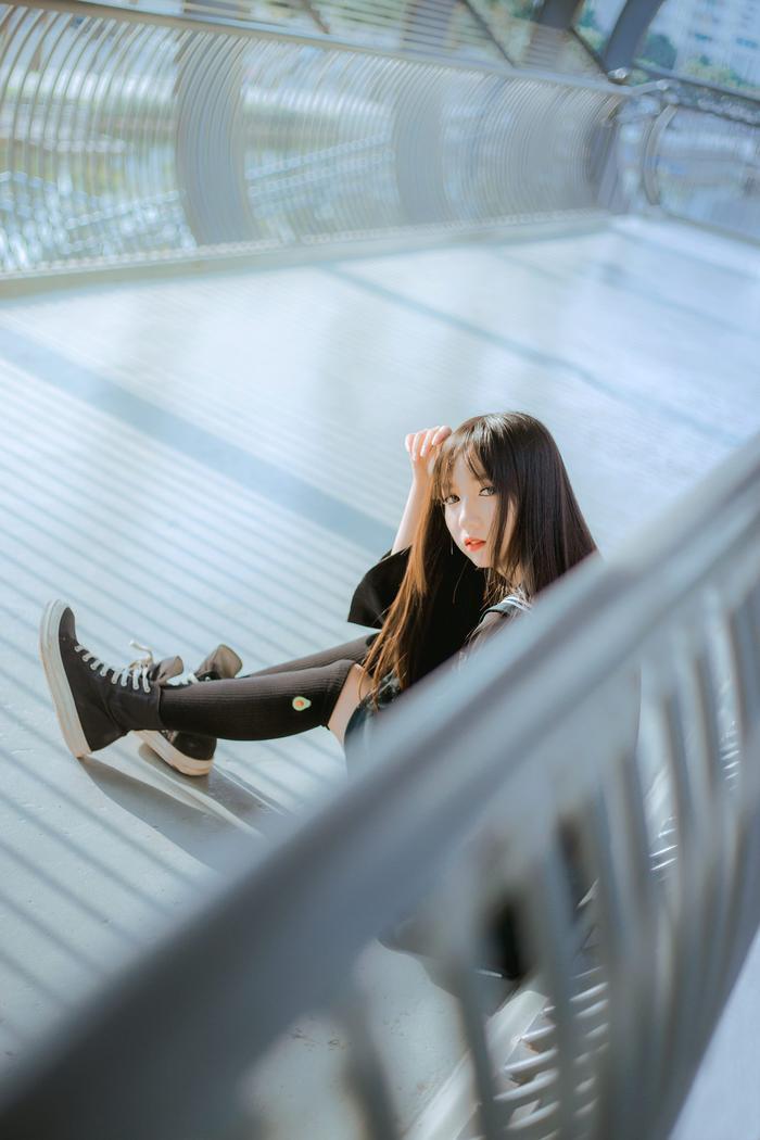 Nữ streamer, cosplayer trường ĐH Luật hút hơn 80.000 followers vì  dị ảnh 11