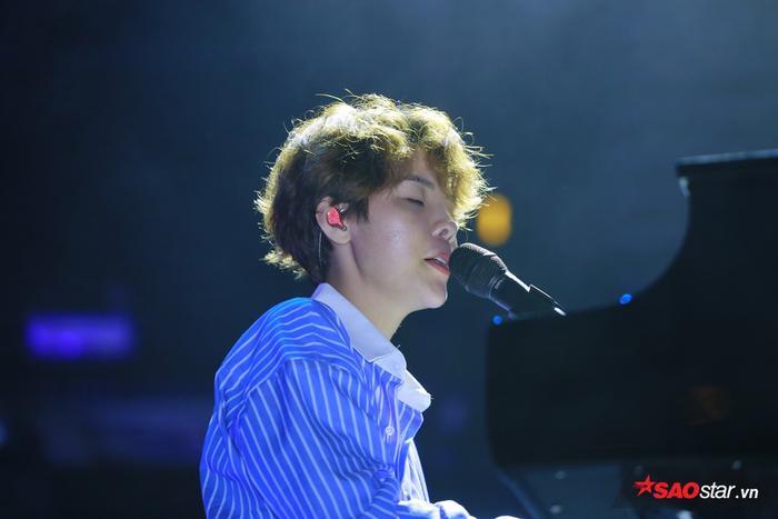 … cho đến những bản ballad sâu lắng ngọt ngào sẽ đều có tại đêm nhạc Dear Hanoi.