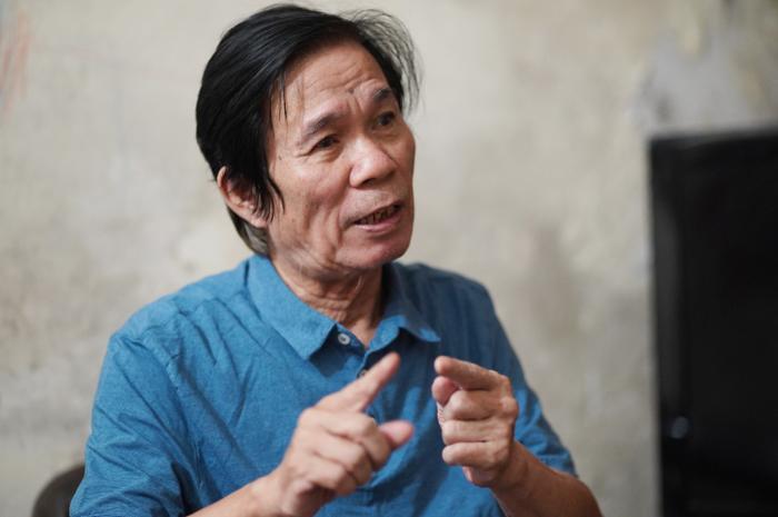 Hoạ sĩ Trần Từ Thành vốn ở vùng quê nghèo nhưng không ngừng sáng tạo, vươn lên.