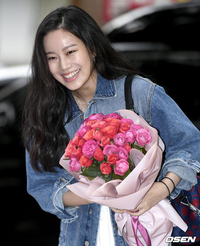 Yeo Jin Goo  IU và P.O rạng rỡ tại tiệc liên hoan kết phim Hotel Del Luna ảnh 9