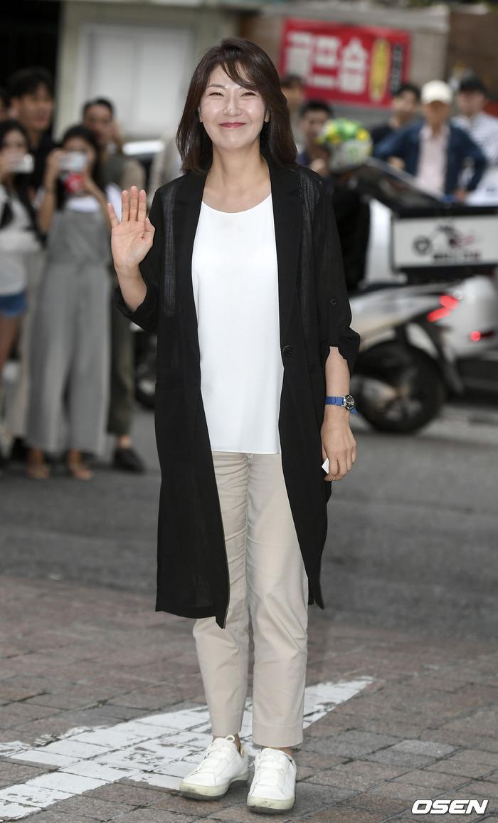 Seo Yi Suk.