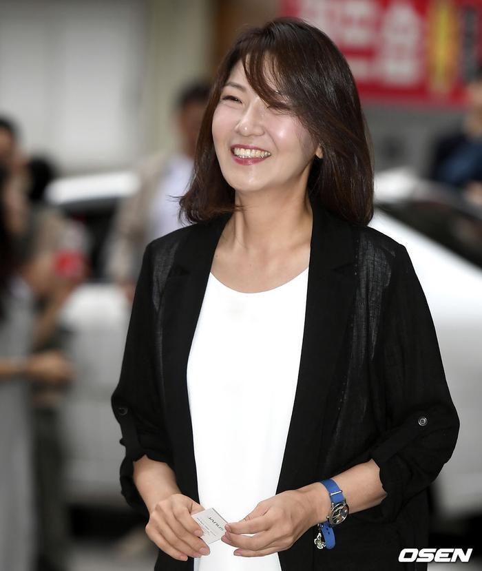 Yeo Jin Goo  IU và P.O rạng rỡ tại tiệc liên hoan kết phim Hotel Del Luna ảnh 13