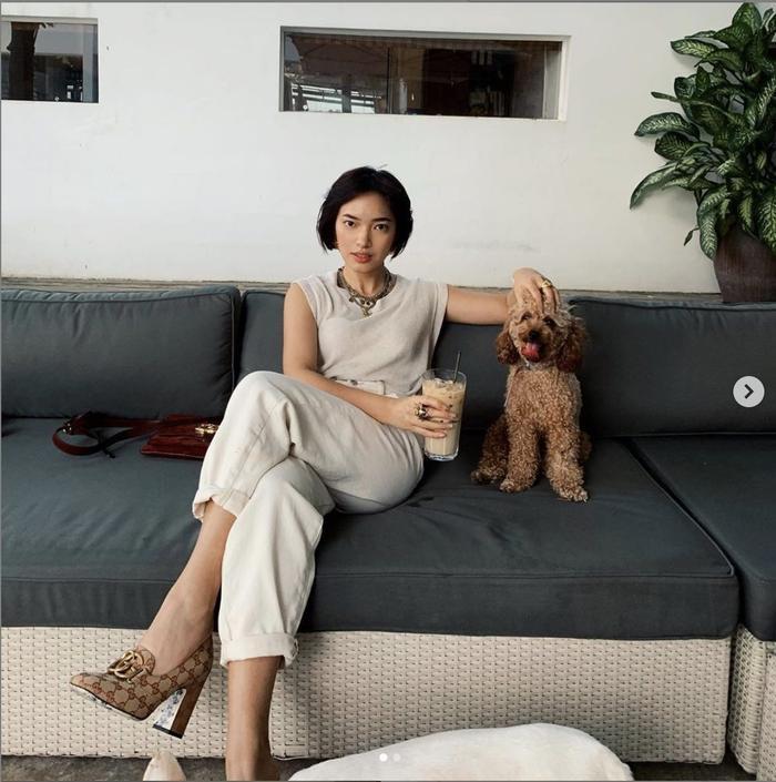 Năm nay, Châu Bùi chọn cách chơi lễ cùng thú cưng và nghỉ ngơi sau chuỗi ngày dài làm việc vất vả.