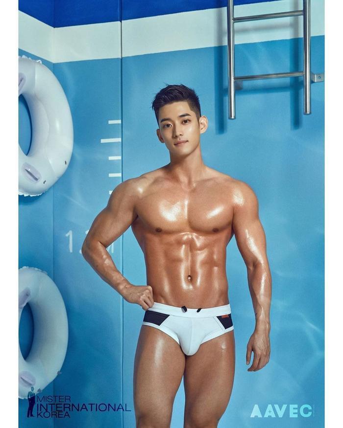 Lộ diện 'Nam vương Hàn Quốc 2019': Không cao 1m80 nhưng body thuộc hạng 'cực phẩm'