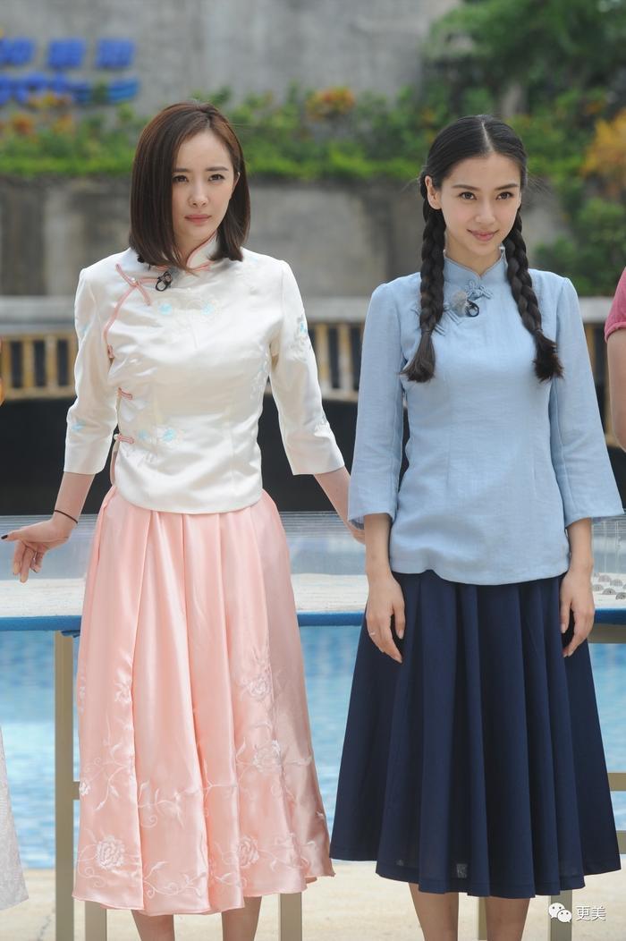 Dương Mịch và Angelababy trong một tập của chương trình khi Dương Mịch tham gia làm khách mời.