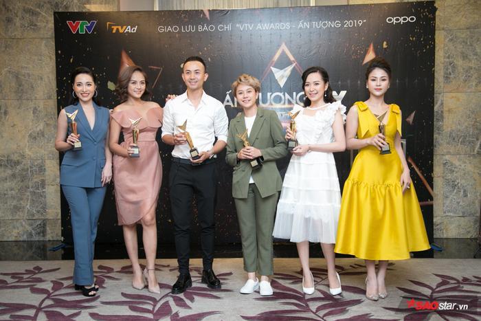 Dàn nghệ sĩ góp mặt trong họp báo ra mắt VTV Awards 2019.