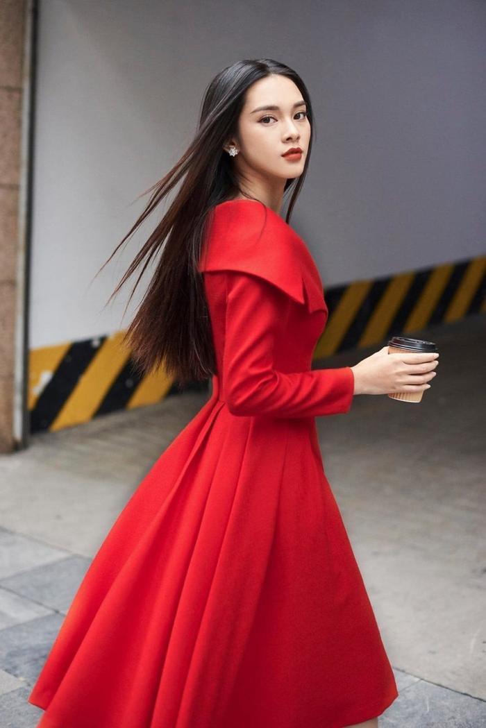 Ngoại hình quyến rũ của Quỳnh Lương