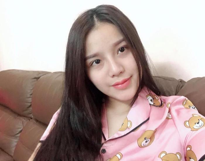 Vợ sắp cưới của Bùi Tiến Dũng là một trong những hot girl trong làng WAGs Việt Nam.