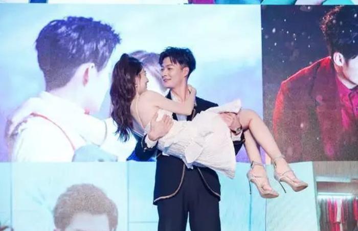 Trương Hằng cầu hôn Trịnh Sảng trong chương trình tống nghệ mới ảnh 5