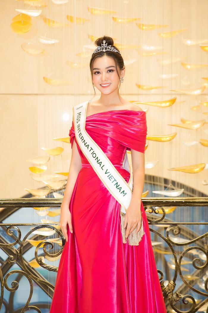 Tường San được chọn là đại diện Việt Nam dự thi Hoa hậu Quốc tế 2019.