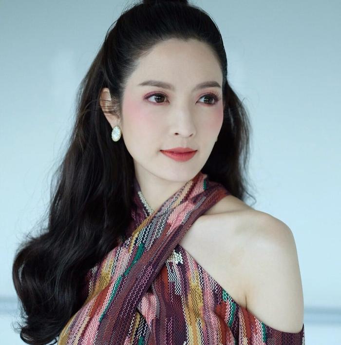 Trở lại màn ảnh sau nhiều năm vắng bóng, nữ diễn viên xinh đẹp Aff Taksaorn sẽ hợp tác cùng đài ONE 31 cho phim truyền hình mới ảnh 1