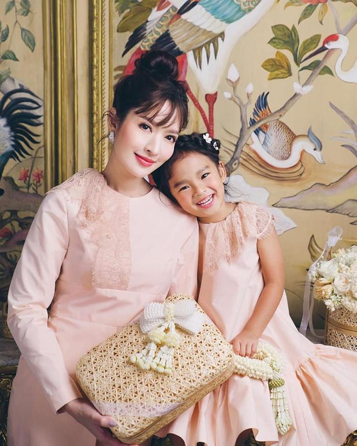 Trở lại màn ảnh sau nhiều năm vắng bóng, nữ diễn viên xinh đẹp Aff Taksaorn sẽ hợp tác cùng đài ONE 31 cho phim truyền hình mới ảnh 7