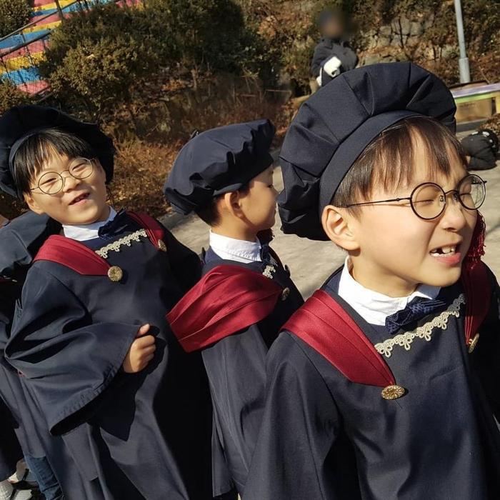 Daehan  Minguk và Manse trưởng thành, rạng rỡ tại lễ tốt nghiệp mẫu giáo ảnh 0