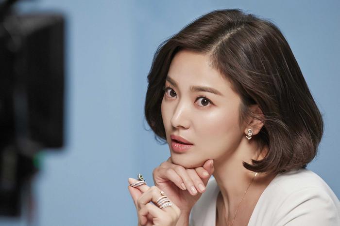 Gia đình Song Hye Kyo đã từng bị tống tiền và đe dọa tạt axit ảnh 4