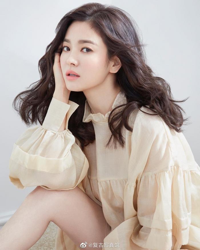 Gia đình Song Hye Kyo đã từng bị tống tiền và đe dọa tạt axit ảnh 3