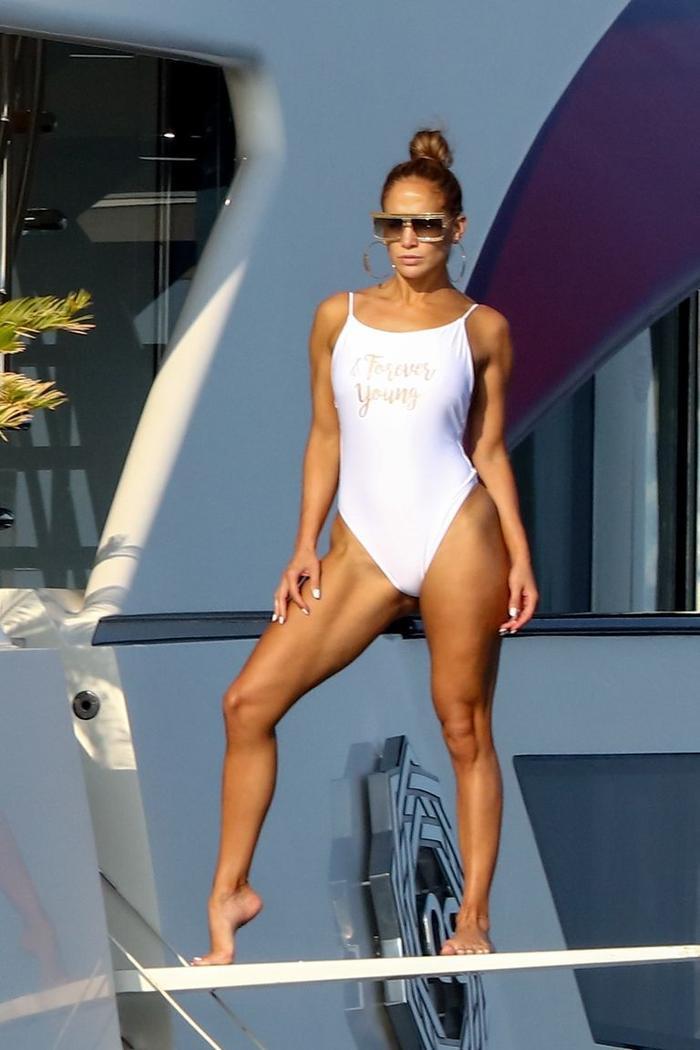 Đẳng cấp nhan sắc của Jennifer Lopez: không cần photoshop, ảnh đăng instagram và ảnh chụp trộm vẫn giống hệt nhau ảnh 8