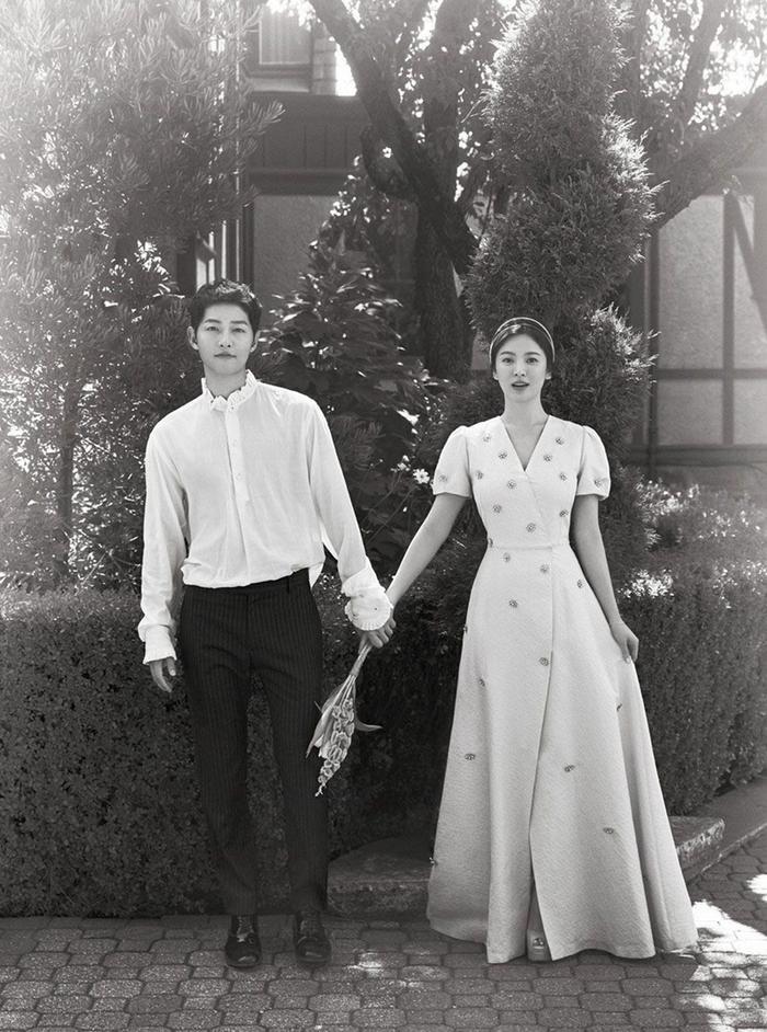 Đây là cách Song Song và Goo Hye Sun xử lý vụ ly hôn, Ahn Jae Hyun vẫn không xóa hình vợ trên MXH ảnh 3