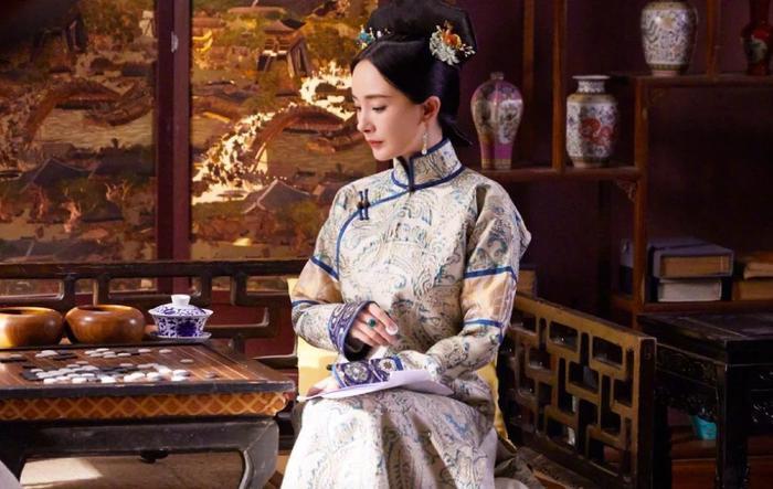 Hóa thân thành phi tần nhà Thanh, Dương Mịch làm khán giả nhớ đến nàng Tình Xuyên trong Cung tỏa tâm ngọc năm nào ảnh 3