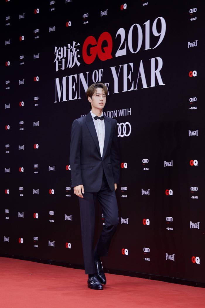 Lý Dịch Phong  Vương Nhất Bác, Lý Hiện cùng loạt nam thần đổ bộ thảm đỏ GQ Men Of The Year Awards 2019 ảnh 9