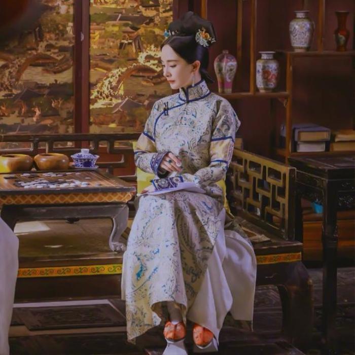 Dương Mịch tái diễn thước phim cung đình nhà Thanh đứng ở vị trí số 1 nhiệt sưu