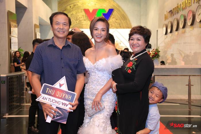 Gia đình Thu Quỳnh.