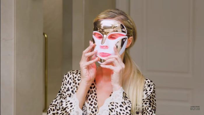 Tất tần tật các bước skincare ban đêm để trẻ mãi không già của 'nữ hoàng tiệc tùng' Paris Hilton ảnh 10