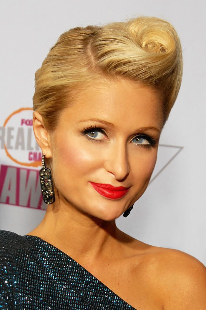 Tất tần tật các bước skincare ban đêm để trẻ mãi không già của 'nữ hoàng tiệc tùng' Paris Hilton ảnh 1