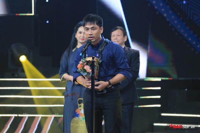 Giải thưởng thuộc về ekip làm phim Đường về.