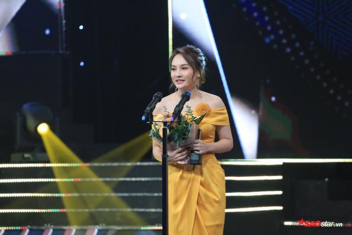 Bảo Thanh hạnh phúc khi lần đầu tiên thắng giải tại VTV Awards 2019.