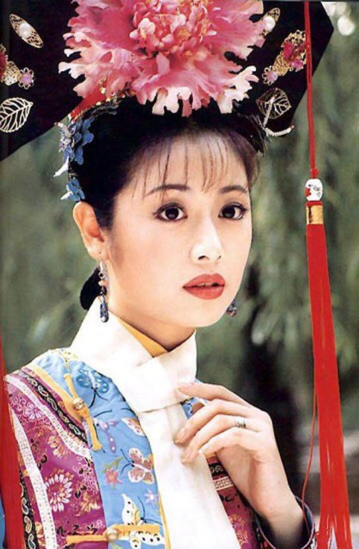 Lâm Tâm Như và cái bóng quá lớn mang tên Hạ Tử Vy.