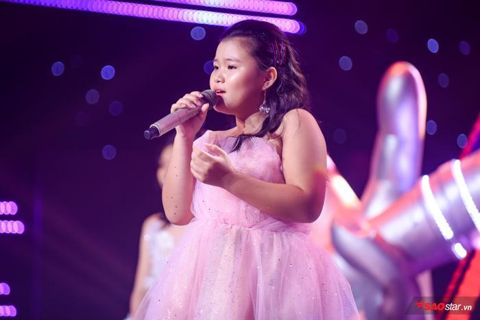 Giận đến nghẹn lời, Hương Giang nghiêm khắc thức tỉnh học trò The Voice Kids thiếu tự tin ảnh 1