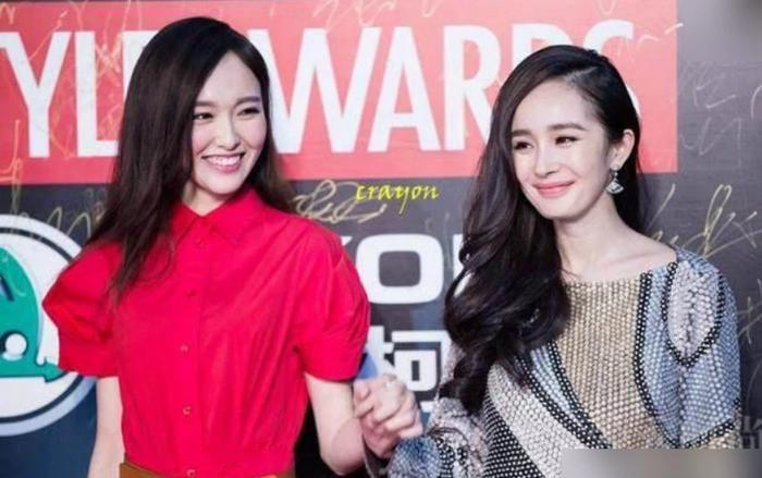 """Đường Yên và Dương Mịch từng là cặp bạn thân vô cùng gắn bó, """"chia ngọt sẻ bùi"""" với nhau."""
