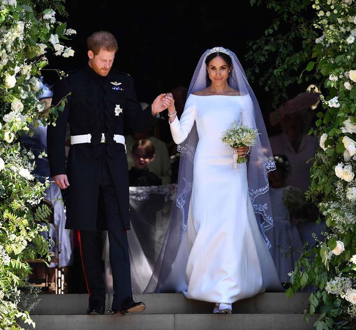 Hơn cả anh trai của mình, chi phi chi trả cho đám cưới của hoàng tử Harry và công nương Meghan là hơn 45 triệu USD. Cả hai đã kết hôn vào năm 2018.