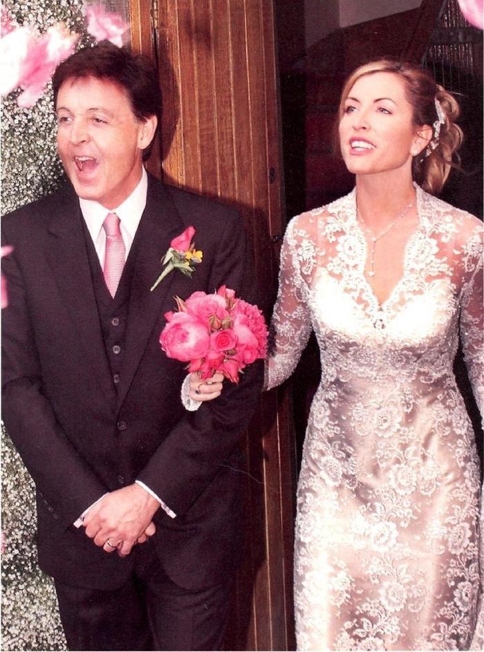 Cặp đôi này đã có một đám cưới hoành tráng với hơn 3 triệu USD.