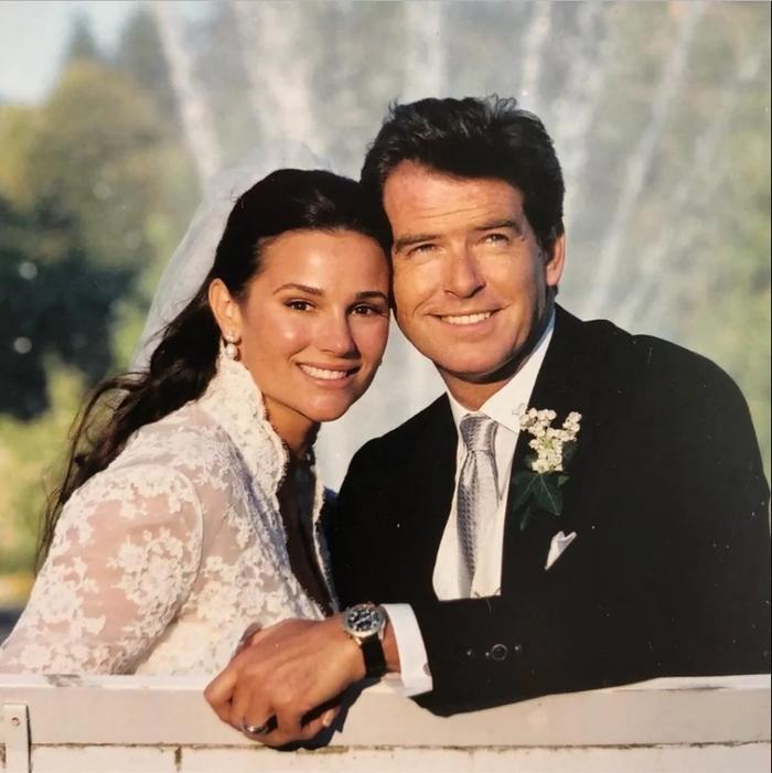 Đám cưới của cặp đôi này cũng xấp xỉ 1.5 triệu USD. Cả hai đã kết hôn vào tháng 8 năm 2001 và hiện tại vẫn đang sống hạnh phúc bên nhau.