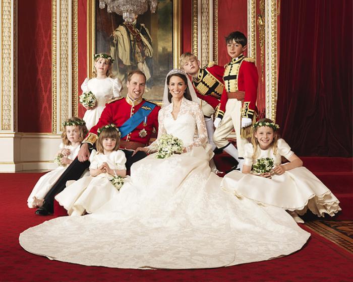 Hoàng tử William đã kết hôn cùng công nương Kate vào năm 2011. Đám cưới hoàng gia này có chi phí 34 triệu USD. Đây được xem là một trong những đám cưới xa hoa bậc nhất tính đến thời điểm hiện tại.