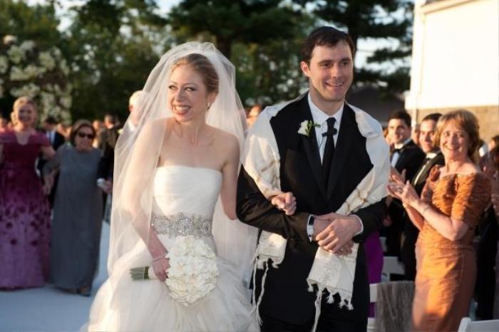 Chi phí chi trả cho đám cưới này là 5 triệu USD.
