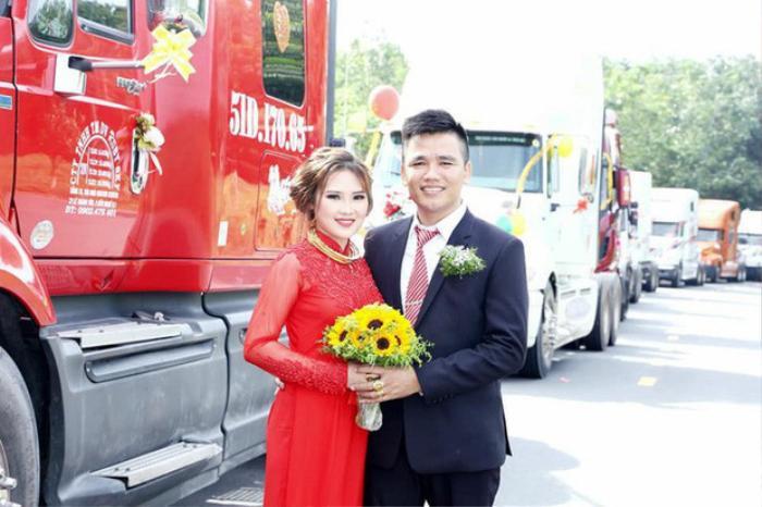 Cô dâu chú rể hạnh phúc trong ngày cưới. (Ảnh: NLĐ).